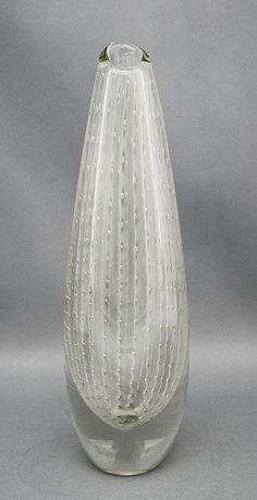Glass vase. Designed by Olavi Helander for Humppilan lasi