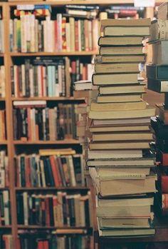 I love books!!! <3 (Ii multumesc lu' Unnie ca ma cunoaste atat de bine. octombrie 2013)