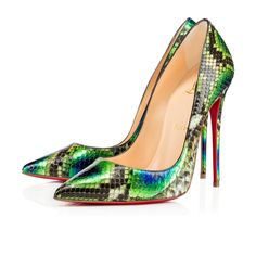 Christian Louboutin outlet So kate python 120 VERT Python - Women Shoes - Christian Louboutin [Pumps] - Product information Reference : Color : VERT Christian Louboutin Outlet, Christian Dior, High Heels Stilettos, Stiletto Heels, Cl Fashion, Latex Fashion, Killer Heels, Vintage Shoes, Womens High Heels