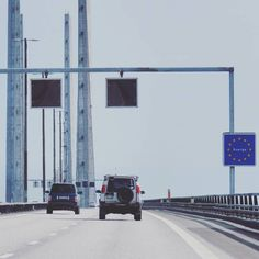 Two Land Rovers together entering Sweden #LandRover #Discovery #Td5 #Adventure #bridge #RangeRover #4x4 #offroad #Sweden #Roadtrip #travel #explore #beautiful #nature #serieslandrover #landroverseries #landroverdefender #Defender #awesome #snow #LandCruiser #overland #SUV #luxury #turbodiesel #diesel #Landy #DiscoveryTd5 #Jeep #power by td5adventures Two Land Rovers together entering Sweden #LandRover #Discovery #Td5 #Adventure #bridge #RangeRover #4x4 #offroad #Sweden #Roadtrip #travel…