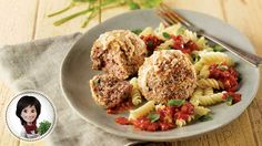 Meatballs and tomato sauce by Josée di Stasio - Food - Pasta Meat Recipes, Pasta Recipes, Gourmet Recipes, Healthy Recipes, Minced Meat Recipe, Mince Meat, Sauce Tomate, Tomato Sauce, Tomatoes