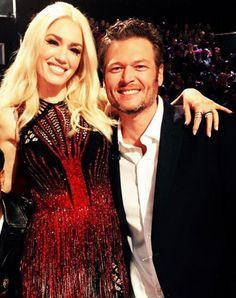 Gwen Stefani y Blake Shelton cantan su primera canción juntos http://stylelovely.com/celebrity/saltaron-chispas/