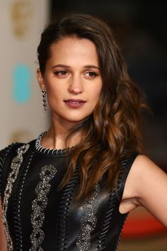 Alicia Vikander High Heels | Alicia Vikander Goes Vampy With A Dark Red Lip And Pale Red Eyeshadow ...
