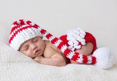 One of my fav sellers on Etsy for knit winter hats.  This was too cute to not share!    Christmas Set Baby Girl Stocking Hat and by ChunkyMonkeyBeanies, $47.00