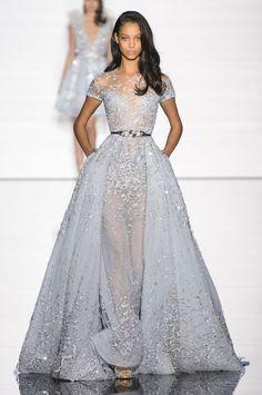 Suknie ślubne z pokazów haute couture wiosna-lato 2015, Zuhair Murad, fot. Imaxtree