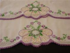 VINTAGE PILLOWCASES HAND EMBROIDERY BEAUTIFUL LAVENDER FLORAL