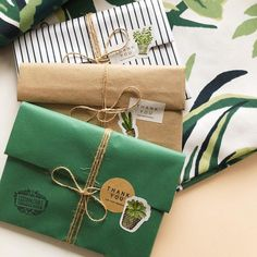 Some more greenery packages Present Wrapping, Creative Gift Wrapping, Creative Gifts, Wrapping Ideas, Gift Wrapping Clothes, Creative Gift Packaging, Pen Pal Letters, Pretty Packaging, Packaging Ideas