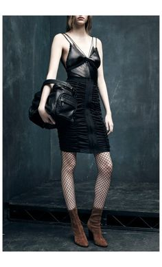 ALEXANDER WANG – PRE FALL 2015 – PREORDER HERE: http://www.precouture.com/en/cami-bra-top-high-waisted-skirt/9565--cami-bra-top.html PRECOUTURE.COM is the first European website offering the possibility to preorder the looks straight from the runway. Order your looks now and wear them before anyone else, before it hits stores !