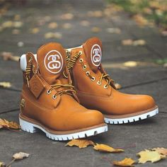 The Timberland x Stussy Premium 6 Inch Boots in Wheat are premium waterproof leather. Timberland Outfits, Custom Timberland Boots, Timberland Stiefel Outfit, Timberland Waterproof Boots, Timbaland Boots, Zapatillas Nike Jordan, Men's Shoes, Shoe Boots, Ankle Boots