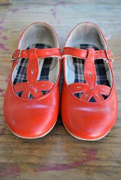 vintage toddler girl red stride rite maryjanes
