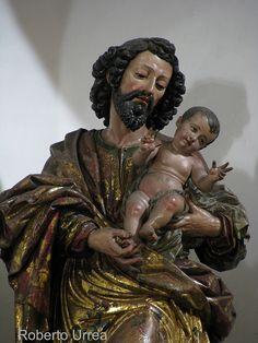 Escultura barroca de la época colonial  del SEÑOR SAN JOSE, templo de Santo Domingo, Guatemala.