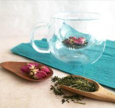 Green tea meet up with rose buds Rose Tea, Tea Recipes, Rose Buds, Tea Cups, Meet, Tableware, Dinnerware, Dishes, Tea Cup