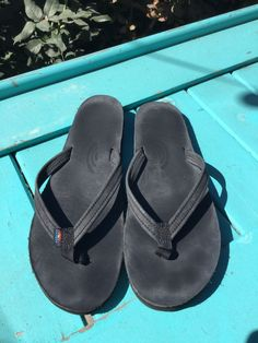 b7d2ca9bf86a78  55 Rainbow Thin Strap Sandal Black Leather Women 7.5-8.5 LARGE