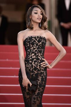Jourdan Dunn in Ralph & Russo Spring 2015 Couture gown at Cannes 2015 #fashion