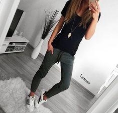 15 Poses para presumir un nuevo outfit