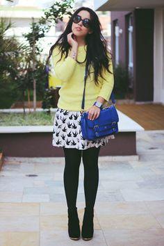 Bruna V. of Brazil Is Bold in Bird Print love this skirt