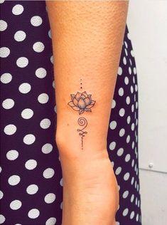 Lotus Tattoo Wrist, Flower Wrist Tattoos, Small Wrist Tattoos, Flower Tattoo Designs, Finger Tattoos, Body Art Tattoos, Tattoo Flowers, Tatoos, Small Lotus Flower Tattoo