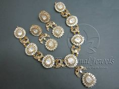 Latest Indian Gold and Diamond Jewellery Designs: Big Flat diamond Peacock Necklace Real Diamond Necklace, Diamond Jewelry, Gold Jewelry, Jewelery, Fine Jewelry, Peacock Necklace, Beaded Earrings, Necklace Extender, Uncut Diamond