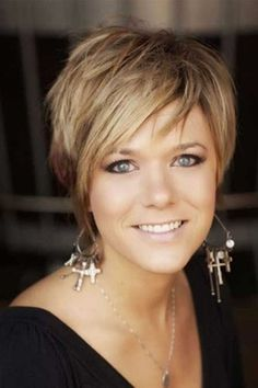 Wonderful Short Hairstyles for women over 40