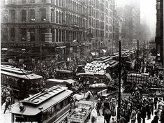 Cities in the Late 1800s | crowded Chicago street in the 1800s. Photo courtesy of Chicago ...