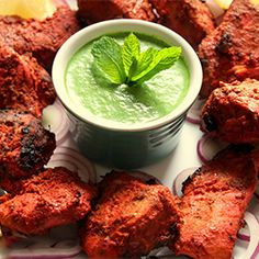 Mint dip Cook like Priya: Grilled Chicken Tikka with Mint Chutney Spicy Recipes, Indian Food Recipes, Beef Recipes, Chicken Recipes, Ethnic Recipes, Clean Recipes, Indian Chicken Dishes, Chicken Tikka, Asian Chicken