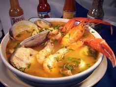 Cocina – Recetas y Consejos Seafood Soup Recipes, Seafood Dishes, Fish Recipes, Mexican Food Recipes, Great Recipes, Seafood Boil, Seafood Salad, Sauce Recipes, 7 Mares Soup Recipe