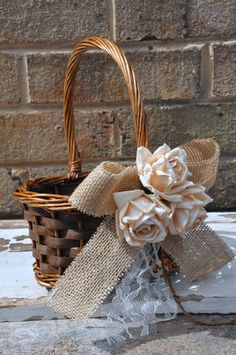 burlap and lace flower basket Easy