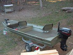 Step-By-Step Boat Plans - jon boat rear deck Aluminum Fishing Boats, Small Fishing Boats, Aluminum Boat, Small Boats, John Boats, Free Boat Plans, Boat Restoration, Boat Seats, Boat Projects