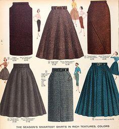 Adoro rescatar lo femenina que es la ropa vintage, y estas faldas son buenísimas opciones aplicando la textura correcta.