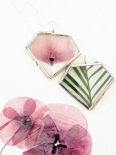 DIY with Pressed Flowers - monsterscircus