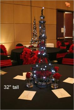 Eiffel tower table centres are really classy
