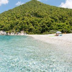 Kastani beach - Skopelos Where they filmed 'Mamma Mia' beach scenes Skopelos Greece, Skiathos, Paros, Beautiful Islands, Beautiful Beaches, Santorini, Places To Travel, Places To Visit, Greece Islands