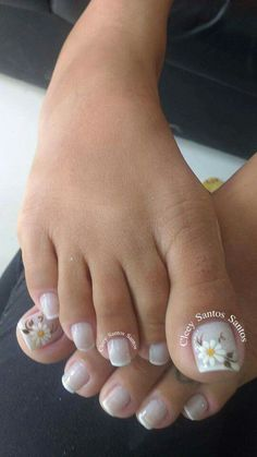 French Pedicure Designs Flower Tips 63 Ideas Pretty Toe Nails, Cute Toe Nails, Pedicure Nail Art, Toe Nail Art, French Nails, French Toes, Toenail Art Designs, Flower Pedicure Designs, French Pedicure Designs