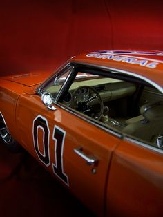 ERTL Authentics - The Dukes of Hazzard 1/18 General Lee Dodge Charger