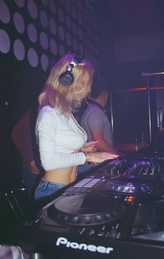 Female DJ Mirjami   #mirjami #djmirjami #djanemirjami #femaledj #dj #djing #djslife #djlife
