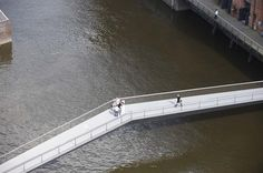 Dietmar Feichtinger Architectes · Museums footbridge · Divisare