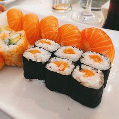 Ein #leckeres #sushi menü mit #nigris & #makisushi im #akikosushi.  #lecker #foodporn #foodlove #Essen  # # # # #lecker #leckeressen #foodblogger #foodporn