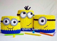 Crochet Crafts, Crochet Toys, Crochet Projects, Knit Crochet, Crochet Basket Pattern, Knit Basket, Crochet Patterns, Crochet Cup Cozy, Crochet Case