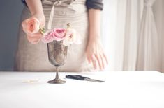Use these tips to makes your own floral arrangements for your wedding.