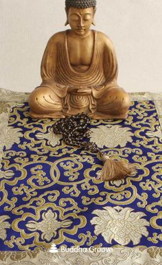 Brocade Regal Altar Mat, Multiple Colors - A sumptuous brocade mat with contrasting trim adds sophistication and color to any surface. Buddha Statue Home, Buddha Home Decor, Zen Home Decor, Asian Bedroom Decor, Asian Decor, Meditation Room Decor, Meditation Space, Buddha Garden, Chinoiserie Chic