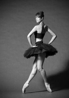 Dance - Ballet - Pose