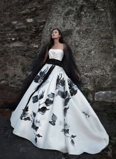 abito-bianco-e-nero-alesLa collezione di Alessandro Angelozzi Couture sposa primavera-estate 2015 indossata da Bianca Balti