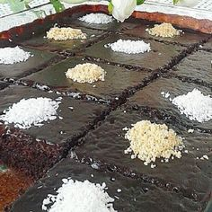 Brownie Tadında Pratik Islak Kek Tarifi Brownie Cake, Food Cakes, Cake Recipes, Yummy Food, Desserts, Food, Cakes, Tailgate Desserts, Cake Brownies