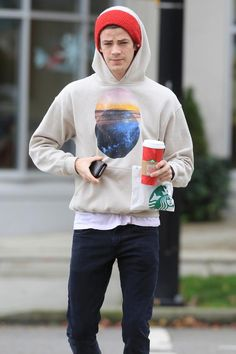 Where does the Flash get his super speed? Starbucks, of course. :) Grant Gustin Gets Starbucks To Go Flash Tv Series, Stephen Amell Arrow, The Flash Grant Gustin, Candice Patton, Snowbarry, Fastest Man, Supergirl And Flash, The Cw, Celebs