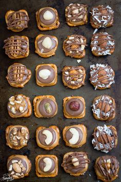 Easy Turtle Pretzel Bites - 9 Ways with Almond Joy, Snickers + video (healthy christmas cookies honey) Holiday Snacks, Christmas Snacks, Xmas Food, Christmas Cooking, Holiday Cookies, Holiday Recipes, Holiday Gifts, Christmas Treats For Gifts, Christmas Pretzels