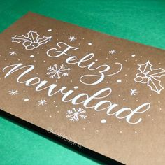 Learn how to letter Merry Christmas with this lettering tutorial Christmas hand lettering tutorial de navidad Nordic Christmas, Christmas Crafts, Christmas Decorations, Xmas, Modern Christmas, Reindeer Christmas, Christmas Trees, Christmas Letters, Calligraphy Tutorial