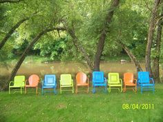 I will be doing this!!!  Vintage Metal Lawn Chairs.