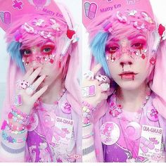 I don't know what the fuck this is but it looks interesting. What he said -✨ Heres my newest look!✨⚠️ Its a style called Menhera (hospital/nurse inspired)… Pastel Goth Makeup, Pastel Punk, Pastel Goth Fashion, Kawaii Fashion, Lolita Fashion, Cute Fashion, Kawaii Makeup, Cute Makeup, Pastell Goth Outfits