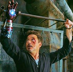 This scene. I was worried that the writers slipped into the deepest parts of my mind and put it into the movie. Thank goodness that wasn't the case. They forgot to keep his shirt off for that scene :P haha just kidding. Marvel Heroes, Marvel Avengers, Dr Banner, Best Superhero, Iron Man 3, Iron Man Tony Stark, Jeremy Renner, Robert Downey Jr, Marvel Movies