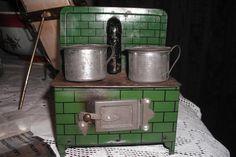 Lovely antique dolls house stove.